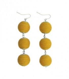 Gele oorbellen met 3 ballen van koord