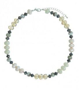 Gekleurde korte halsketting van mooie geslepen glaskralen