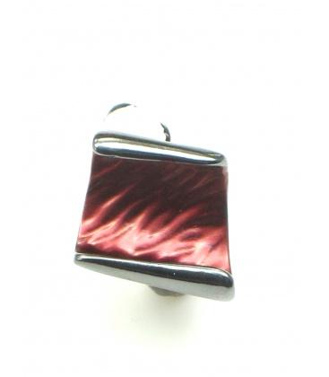 Rode oorbellen in gun black zetting