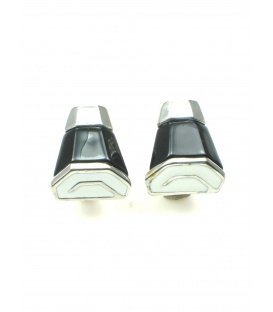 Mooie zwart met witte clip oorbellen