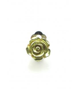 Goudkleurige oorclips in de vorm van een roosje
