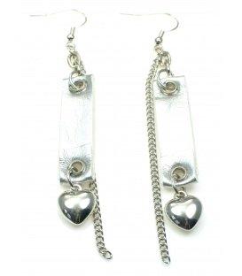 Zilverkleurige oorbellen met hartje