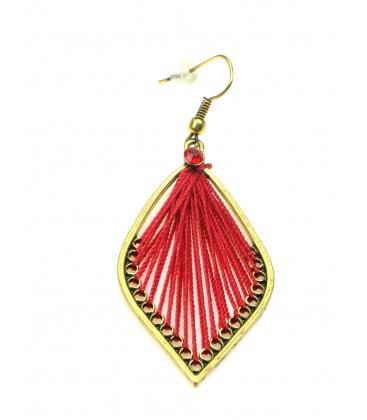 Mooie rode ovale oorbellen met draad
