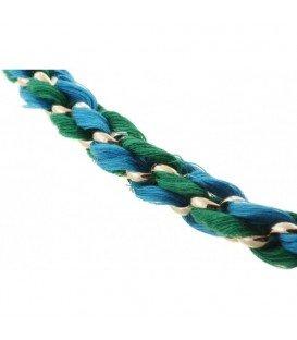 Ketting met groene strengen en metalen goudkleurige ringen