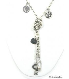 Zilverkleurige halsketting met bedels