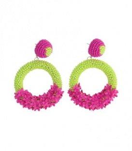 Roze oorbellen met groene kralen en roze bloemetjes