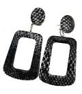 Zwarte hoekige oorbellen met slangehuid print