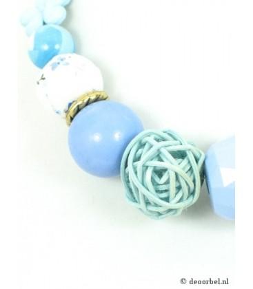 Mooie halsketting met blauwe kralen