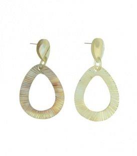 Licht bruine oorbellen met open ovalen hanger