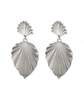 Zilverkleurige oorbellen met een golvend structuur