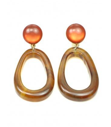 Bruine oorclips met ovale hanger