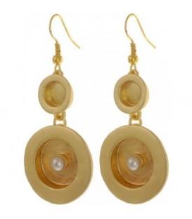 Goudkleurige oorbellen met kunstparel
