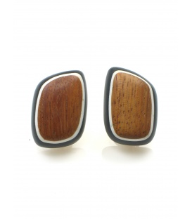Mooie zwarte oorclips met bruine houten inleg