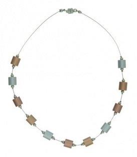 Goud,zilver en koperkleurige korte halsketting met cilinder metalen blokjes