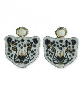 Mooie oorbellen met een tijgerkop van paiiletten en kraaltjes