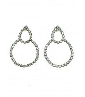 Zilverkleurige oorbellen met strasssteentjes. De lengte van de oorbel is 3,8 cm