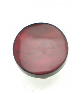 Oorclips met donker rode kleur en parelmoer inleg