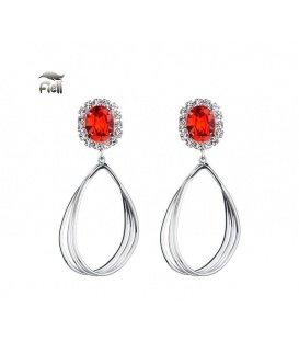 Zilverkelurige oorbellen met rood oorstukjes en strassteentjes rondom