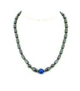Halsketting gemaakt van zwarte hematiet kralen en kunstparel