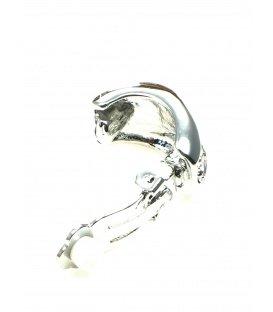 Zilverkleurige oorclip met strasssteentjes