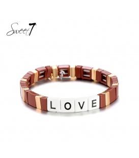 Bruine armband met de letters love