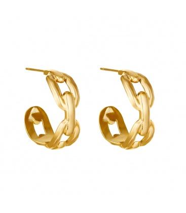 Goudkleurige oorbellen in de vorm van schakels