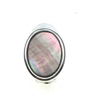 Oorclips in zilverkleurige zetting met ovale parelmoer inleg.