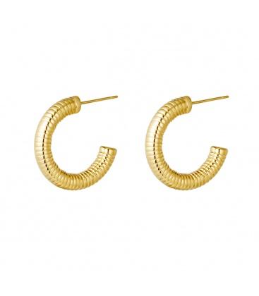 Goudkleurige ronde oorbellen met ribbelmotief