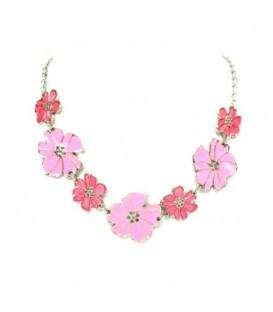 Halsketting met roze bloemetjes
