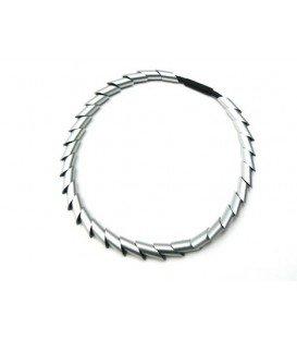 Zilverkleurige kralen met zwart halsketting van Tjonge Jonge