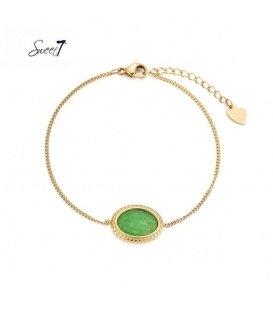 Goudkleurig armbandje met groene steen