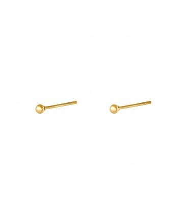 Minimalistische goudkleurige oorbellen met een rond bolletje