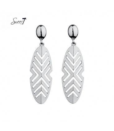 Zilverkleurige oorbellen met een open hanger