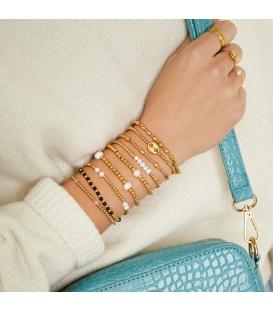 Armband met zilverkleurige kralen en vijf pareltjes