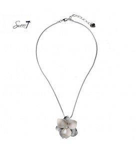 Zilverkleurige dunne ketting met grote bruine bloem