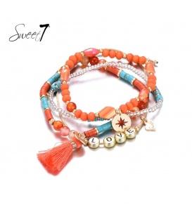 Set van armbanden met oranje kraaltjes en 'love'