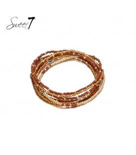 Wikkelarmband met kleine bruine en goudkleurige kraaltjes