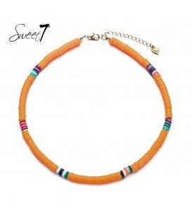 Ketting met oranje kraaltjes en gekleurde details