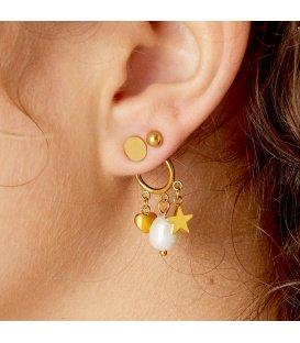 Zilverkleurige oorhanger met als bedel een hart, ster en parel