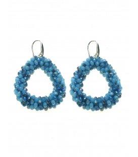 Mooie trendy oorbellen met verschillend gekleurde blauwe facet glaskralen