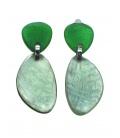 Langwerpige groene Culture Mix oorclips met parelmoer inleg