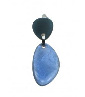 Langwerpige blauwe Culture Mix oorclips met parelmoer inleg. Mooie clip oorbellen van Culture Mix