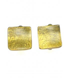 Vierkante goudkleurige oorbellen van Culture Mix