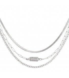 Zilverkleurige halskettingen van 3 lagen en een hanger met maan en sterren