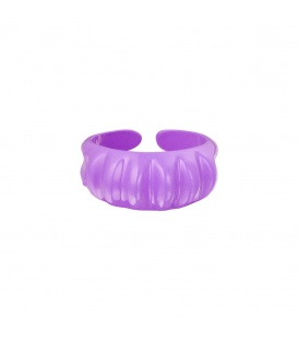 Lila candy ring met verticale ribbels