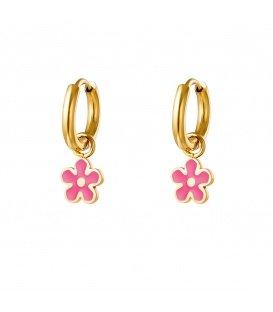 Goudkleurige oorringen met een roze bloemen hanger