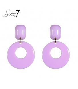 Paarse oorbellen met een resin hanger