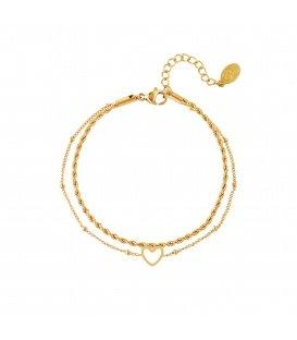 Goudgekleurde meerlaagse armband met een open hartbedeltje