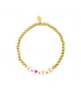 Goudgekleurde armband met kralen en de tekst ´LOVE´