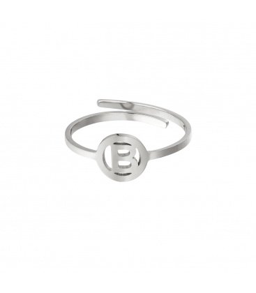 Zilverkleurige ring met initiaal B in cirkel